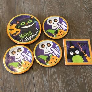 Halloween plates and napkin